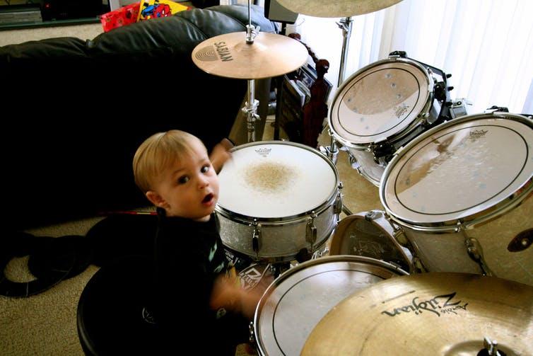 Bisakah Pelatihan Musik Dini Membantu Bayi Belajar Bahasa